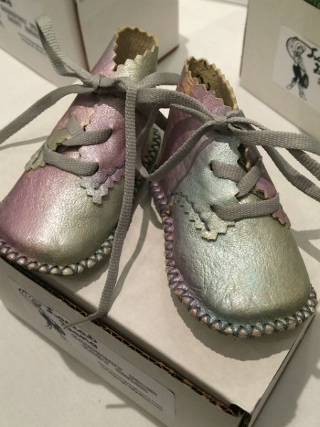 Do these baby shoes have a gender?