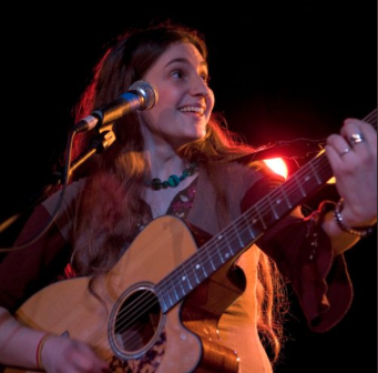 Singer/songwriter Chana Rothman